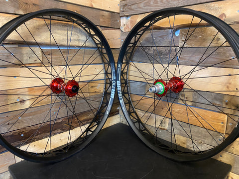 (Slam69Built) DT BR710 /  Hope Pro 4 - Fatbike Custom Built Wheelset (Red Hubs)