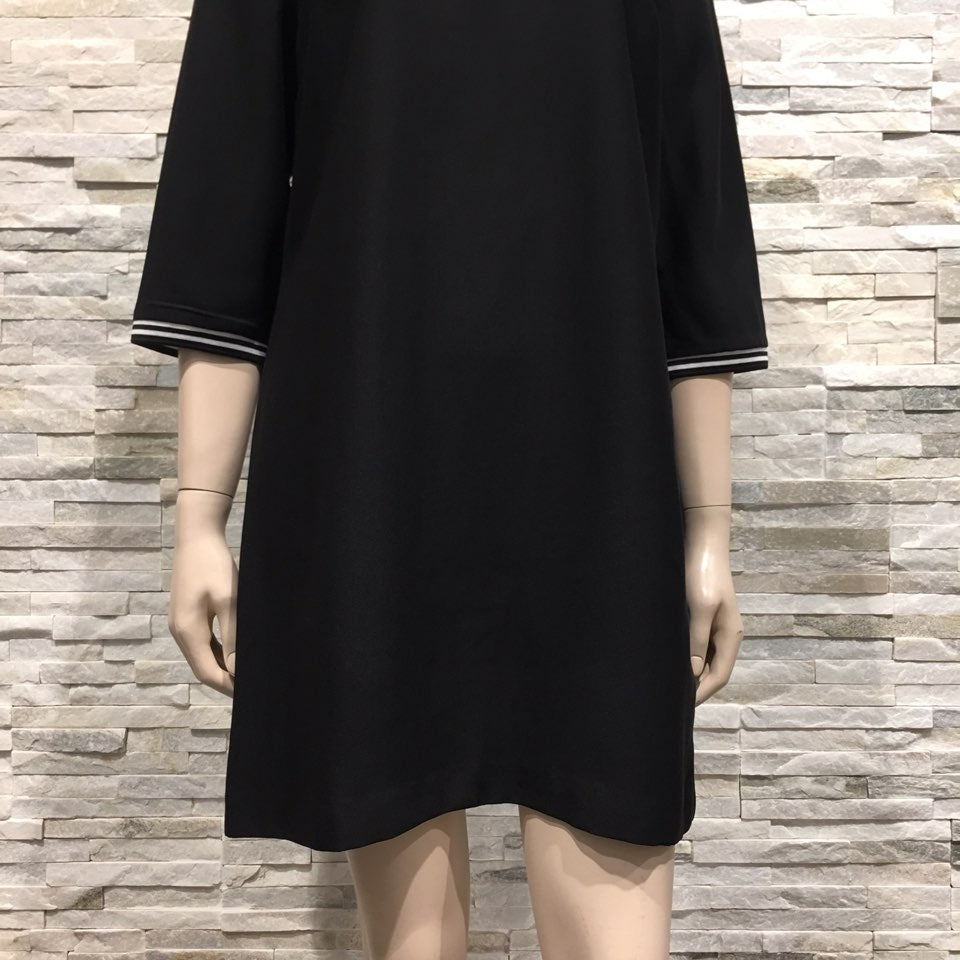 Dress - US brand, 7 sleeves, sideline point