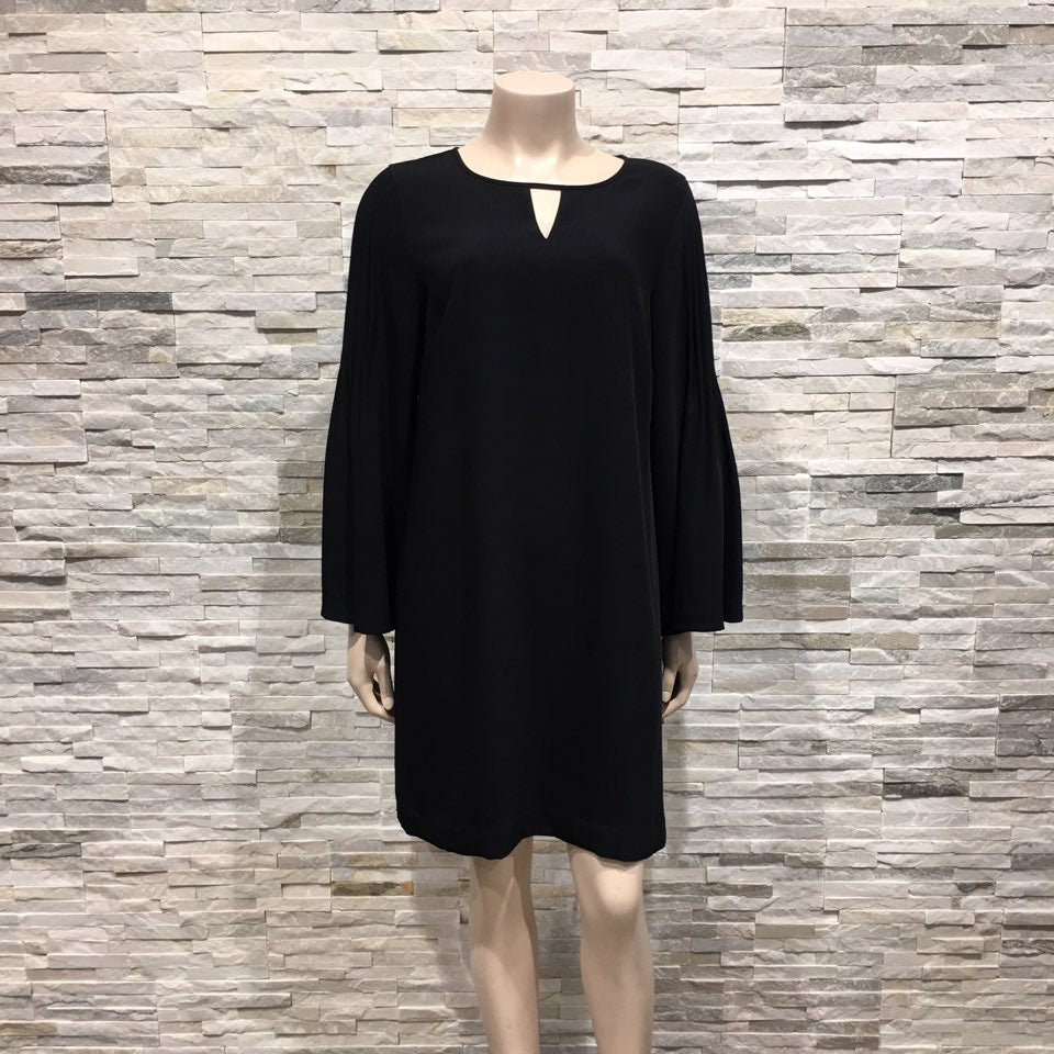 Dress - US brand, front V pont