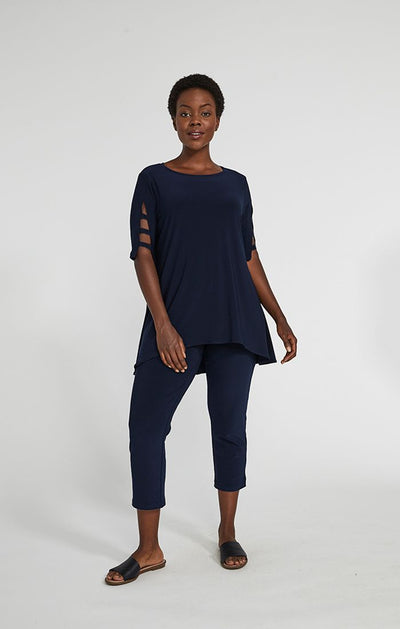 Sympli Capture Elbow Top In Navy