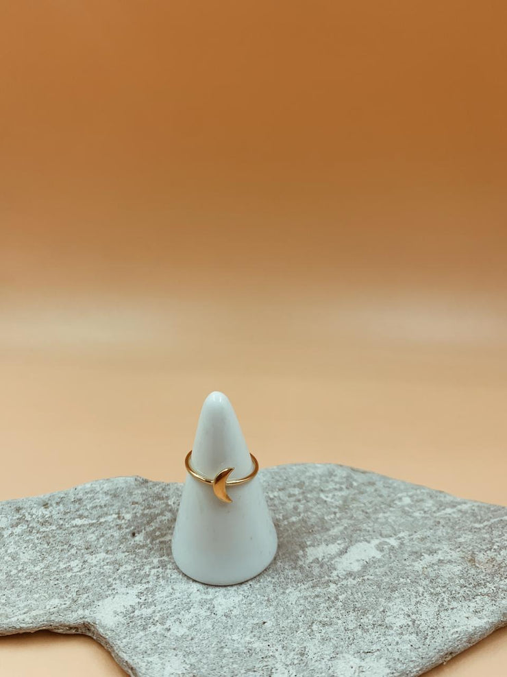 Essential Crescent Moon Ring | 18kt Solid Gold