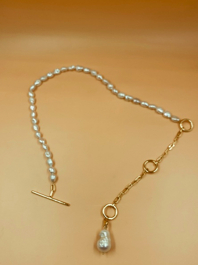 Classic Toggle Pearl Necklace