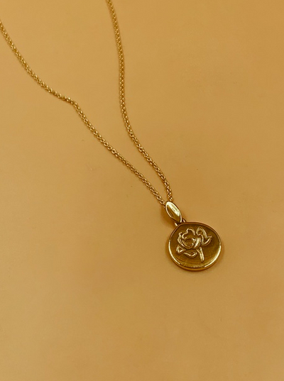 Homecoming Rosalia Rose Motif Medallion Necklace | 18kt Solid Gold
