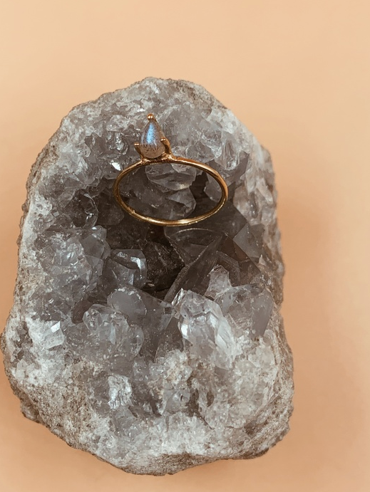 Dew Drop Labradorite Ring