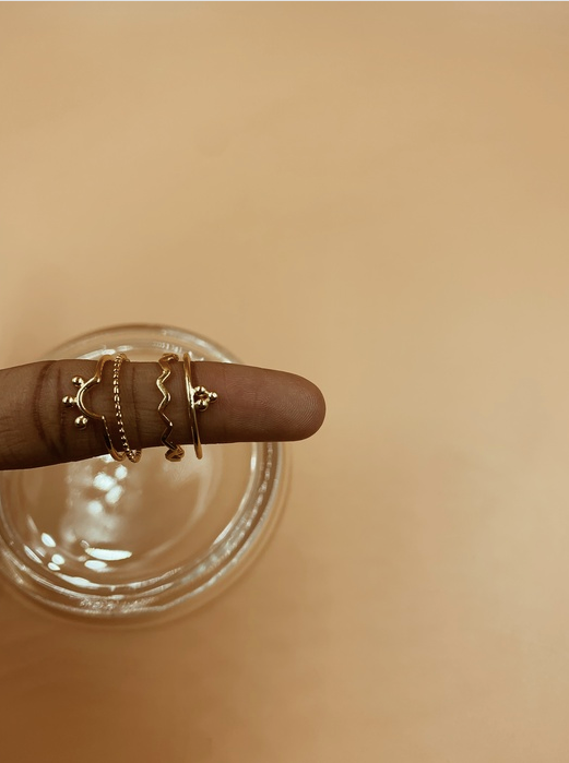 Mie Family Zig Zag Ring | 18kt Solid Gold