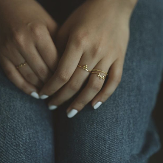 Mie Family Tri Dotted Ring | 18kt Solid Gold