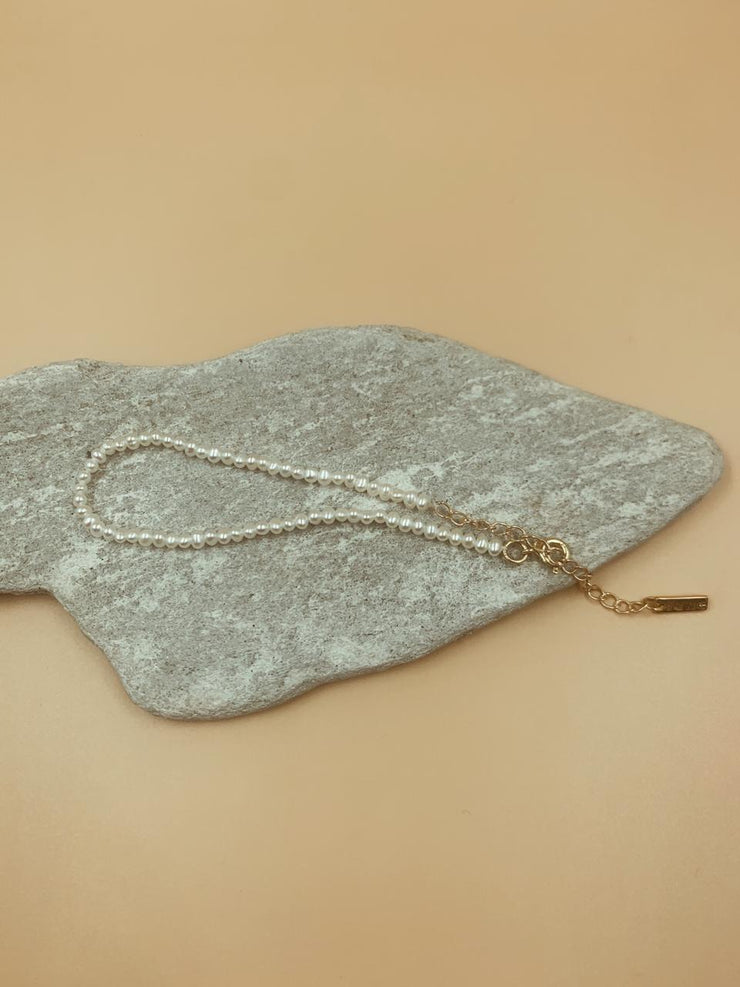 Charmed Solid Pearl Anklet