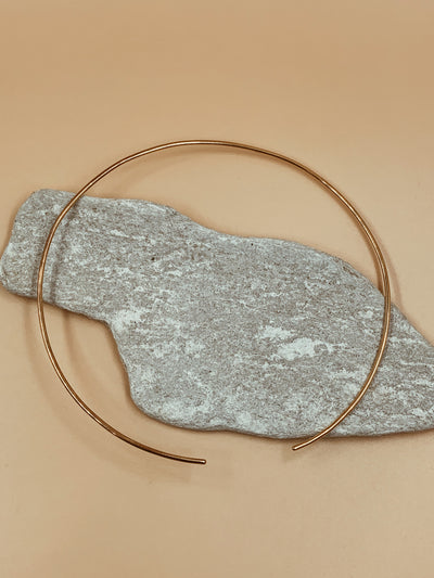 Essential Axis Circle Choker