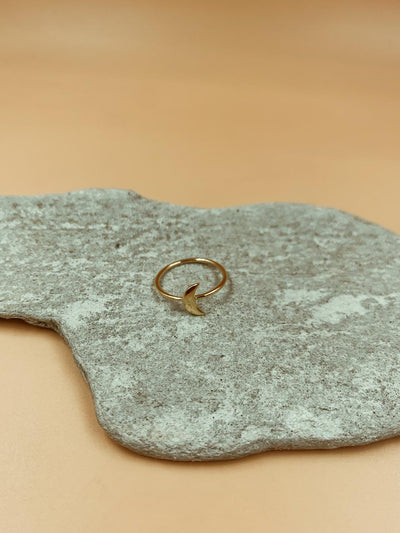 Essential Crescent Moon Ring
