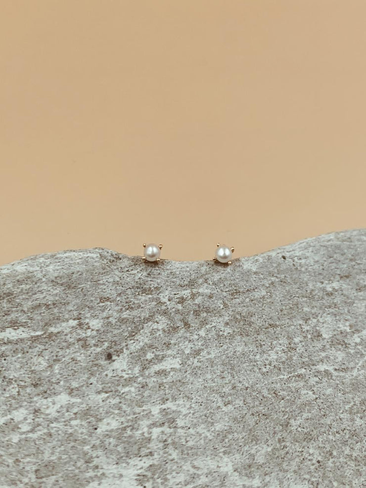 Moondrop Pearl Ear Studs