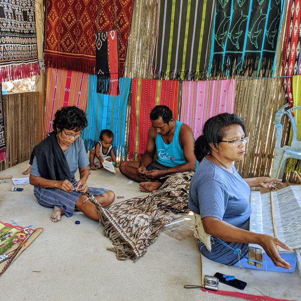 Working together to make Ikat handwoven textiles using natural dyes in Rote, Indonesia