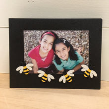 Load image into Gallery viewer, Bee Magnets S/4