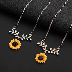 CHARMING SUNFLOWER NECKLACE