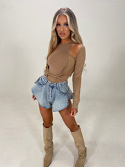Slinky Knot Bodysuit With Cut Out Detail (CAMEL)