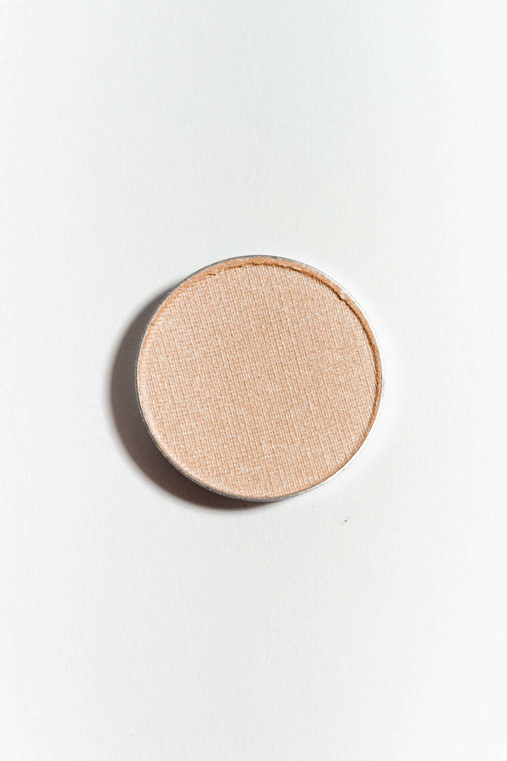 Eye shadow pan in Bisque