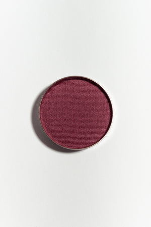 Eye shadow pan in Burgundy Frost