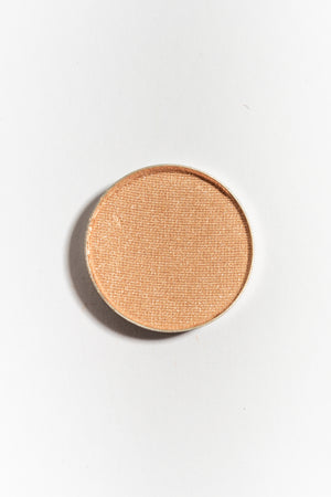 Eye shadow pan in Sandpiper
