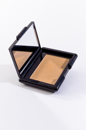 Contour Compact in Light
