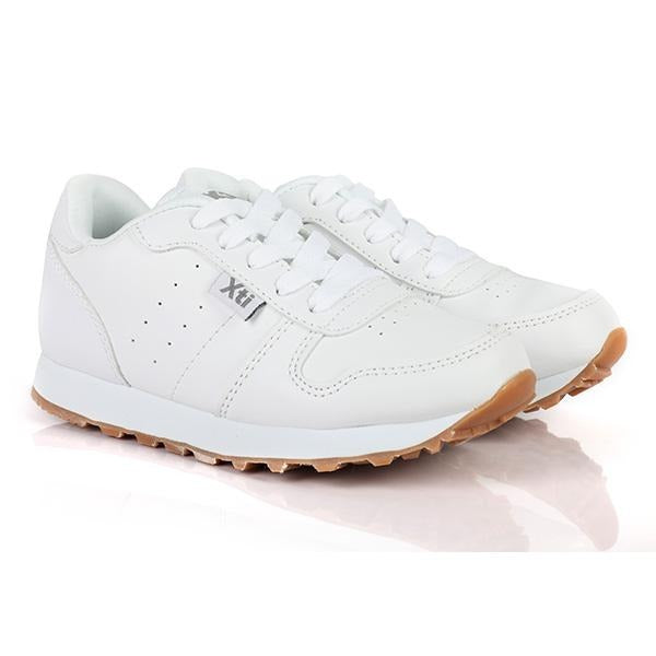BOYS WHITE LACE UP SNEAKERS - ruffntumblekids