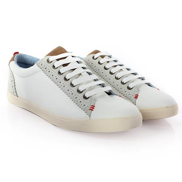 White Casual Low Top Sneakers_Ruffntumble