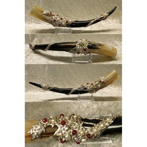 Breena A' Fae steer drinking horn with white pearls and rubies