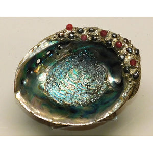 Abalone shell jewelry bowl with black pearls and ruby crystal beads