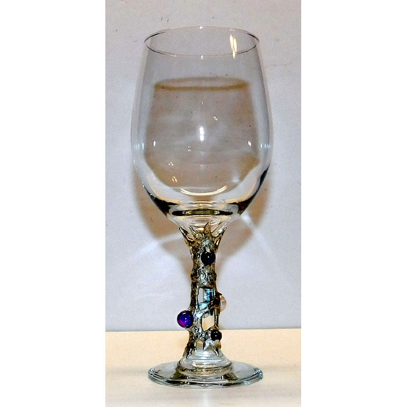 White wine glass with amethyst and white pearls