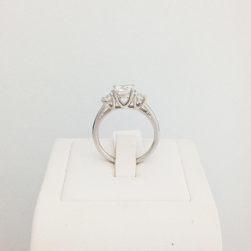 9ct/18ct White Gold Engagement Ring Design 2