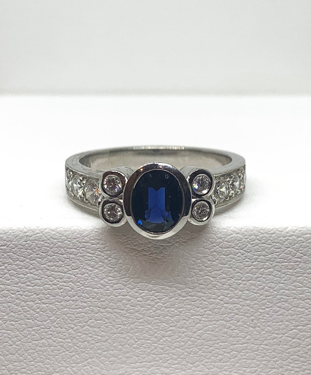 18ct White Gold Australian Sapphire & Diamond Ring