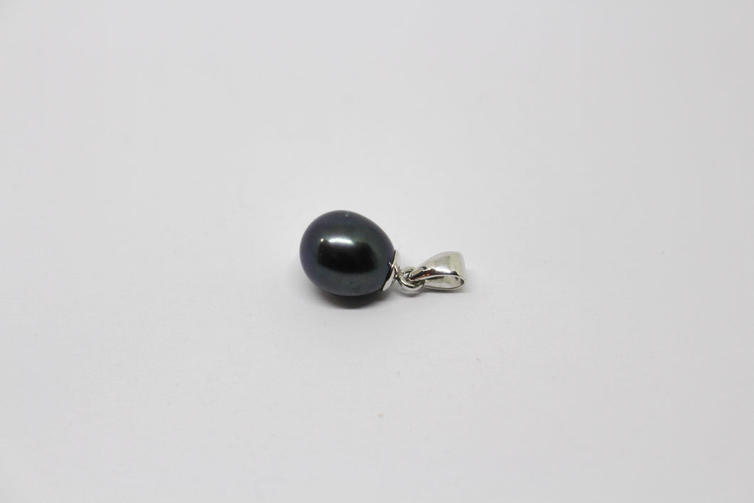 SS dyed Black Fresh Water Pearl Necklace