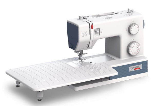 Bernette 05 Academy Heavy Duty machine, faster 1100spm * includes 12 foot set, Large sew extension table and a finger guard worth over £150 - Similar spec to Singer 4423 / 4432 machines
