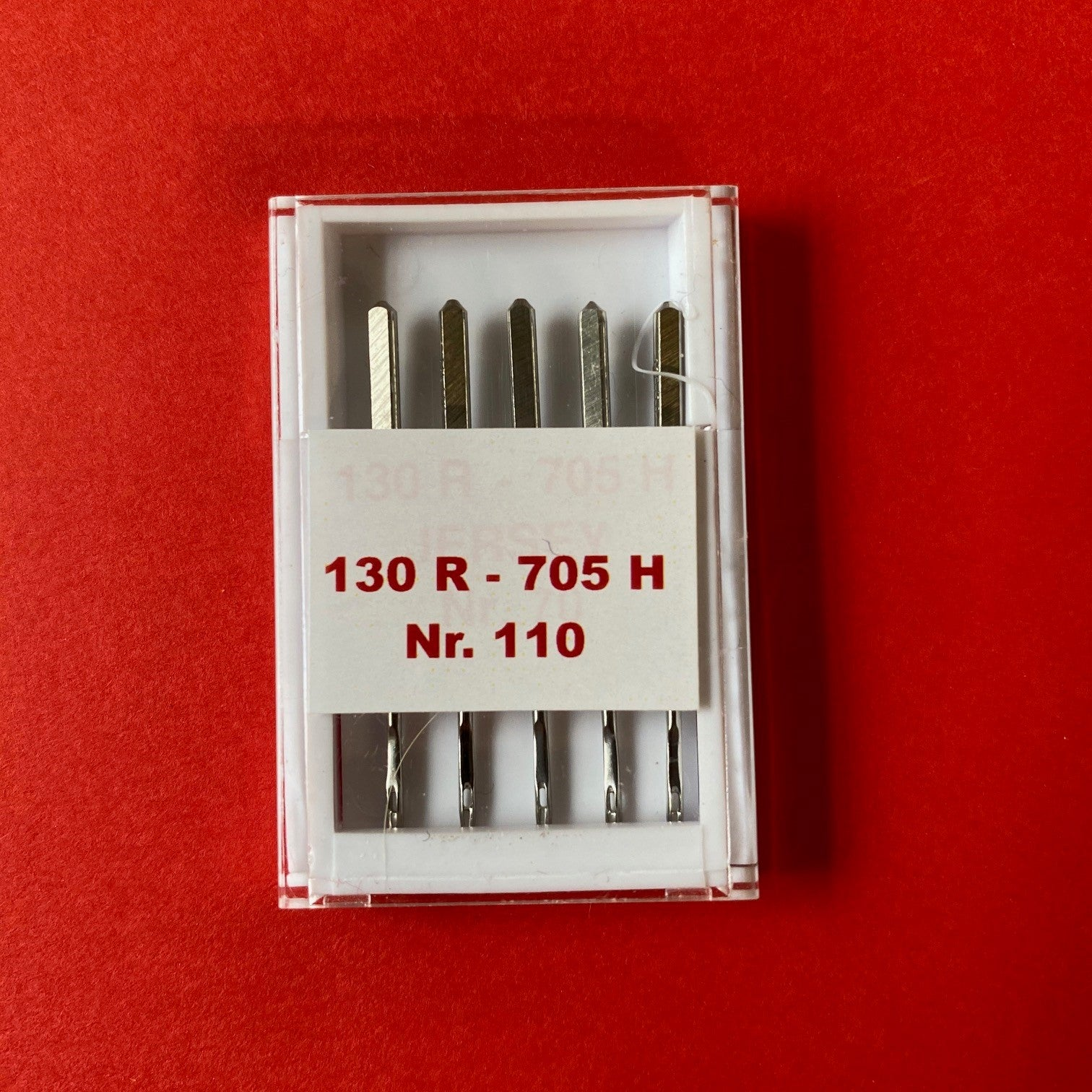 Singer Outlet Universal Sewing Machine Needles - Size 110 (pack of 5)
