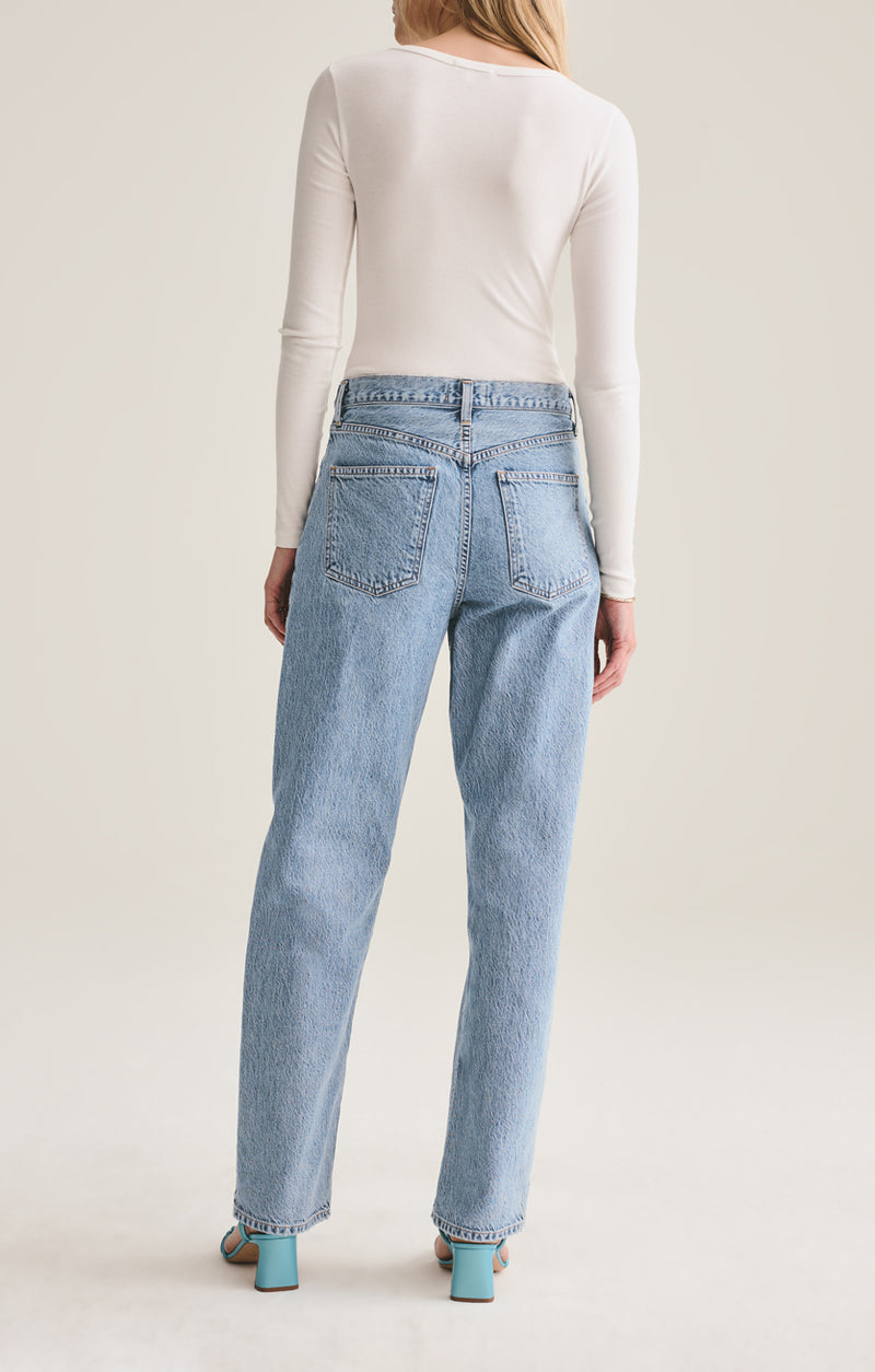 Baggy Mid Rise Pleated Oversized Jean in Sweetener