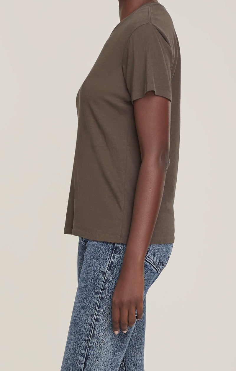 Mariam Classic Fit Tee Wicker side