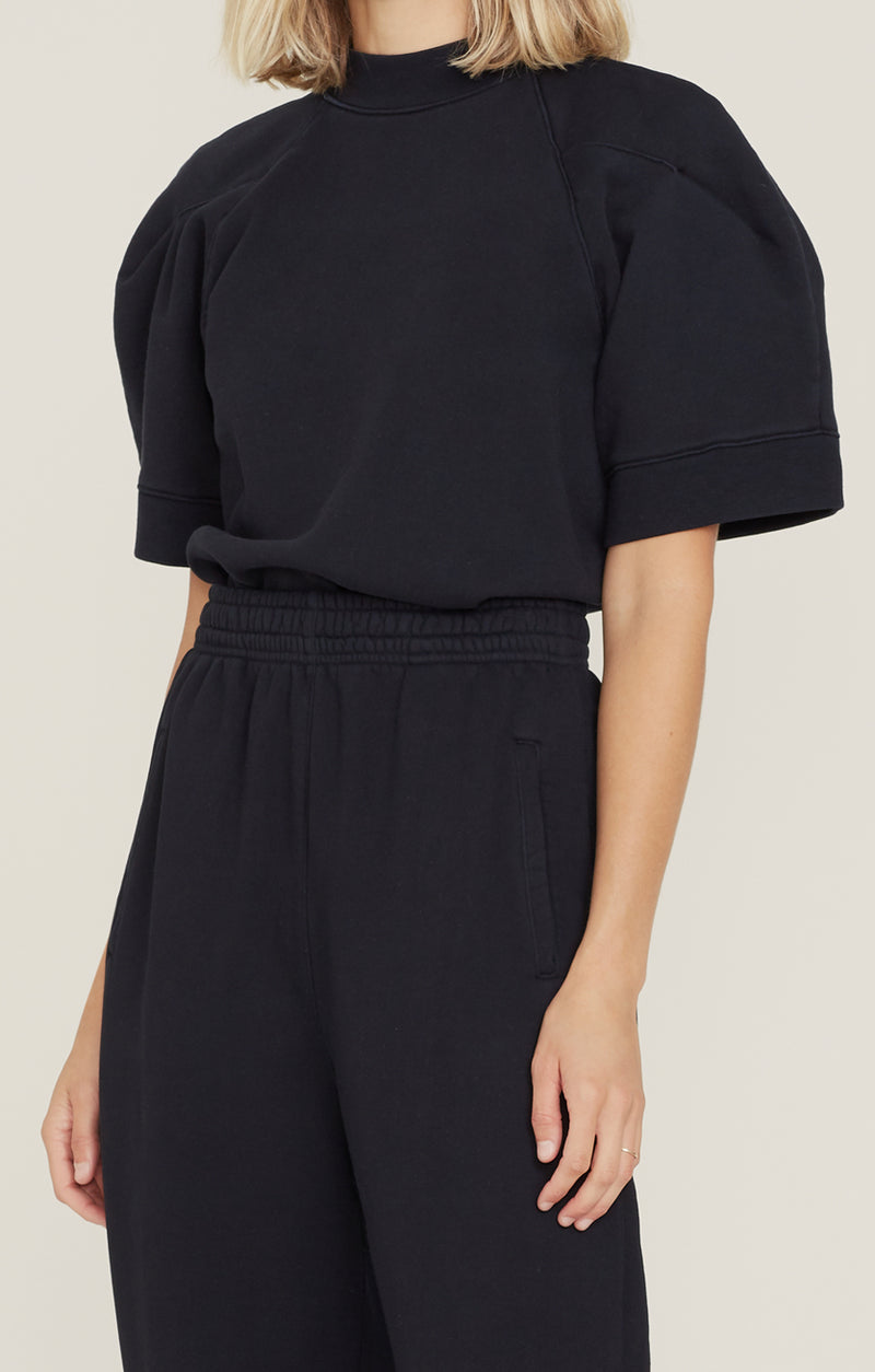 The Round Shoulder Sweatshirt Black front