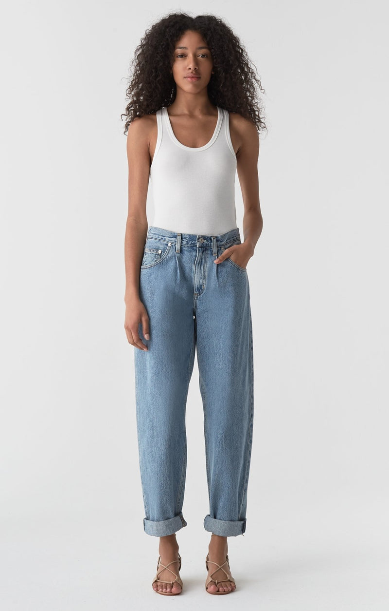 baggy mid rise pleated oversized jean lark front