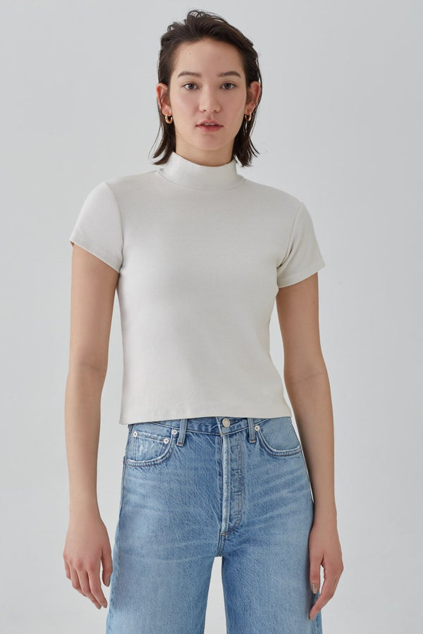 mock neck short sleeve rib tee plaster front