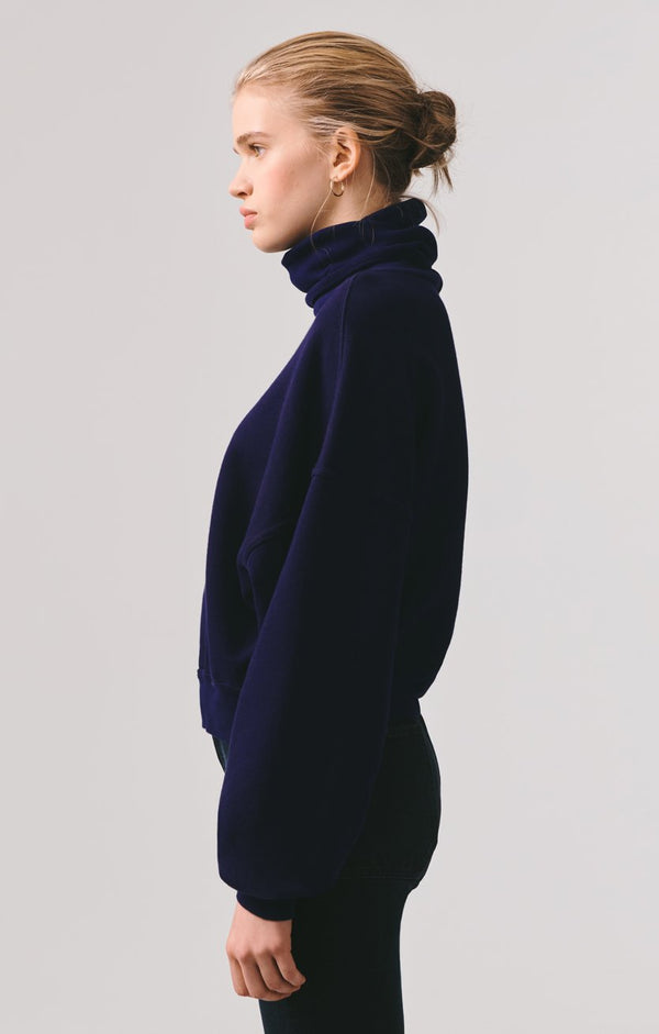 balloon sleeve turtleneck sweatshirt arctic back