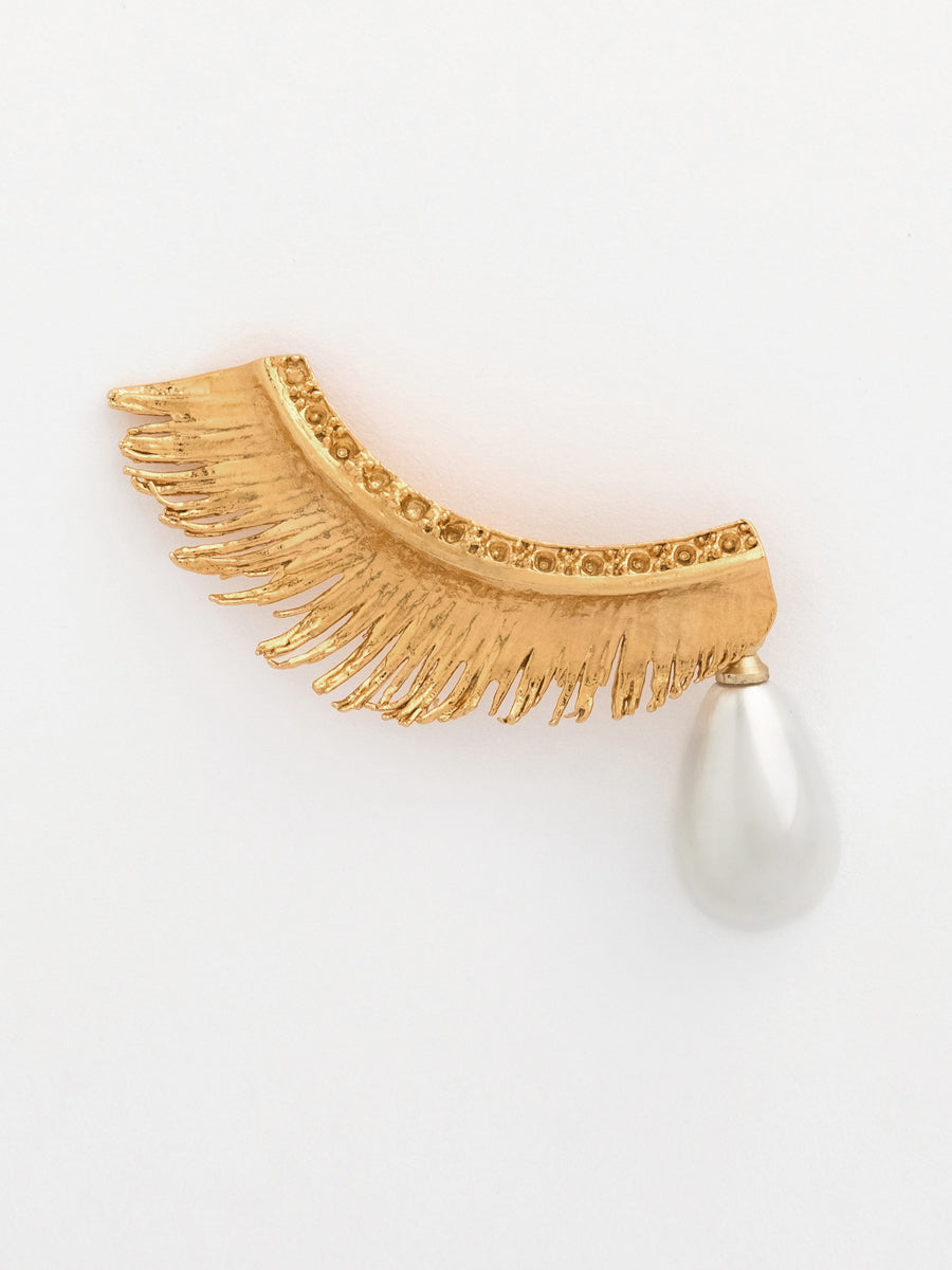 EYELASH & PEARL SINGLE EARRING