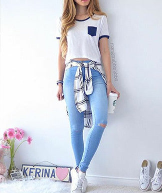 Jeggings with T-shirt & Plaid Shirt around the waist
