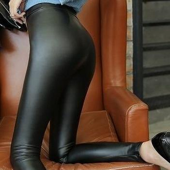 Warm faux Leather leggings - Clearance Sale - Viki Body