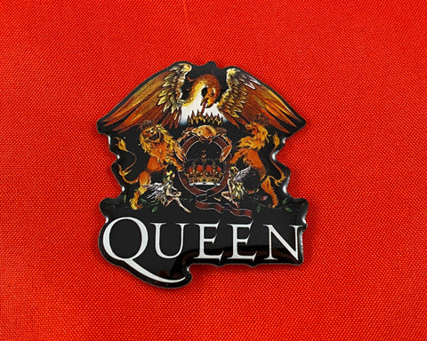Let it Be - Music Merch: Queen Gold Crest Metal Pin Badge