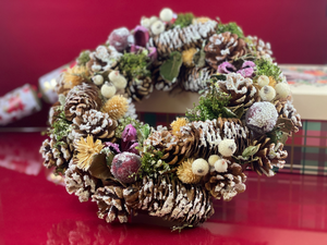 Hector Hall: White Snowberry  Christmas Wreath
