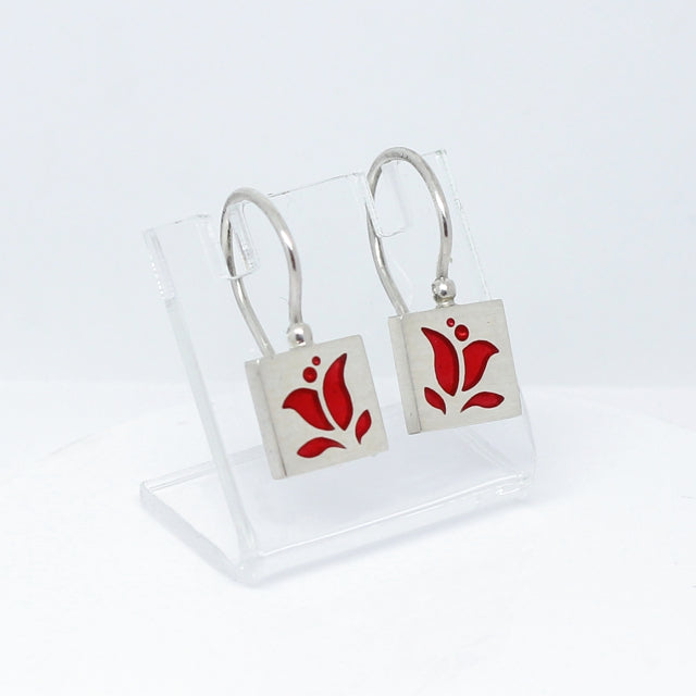 sterling silver and resin tulip design dangle earrings in Intuita