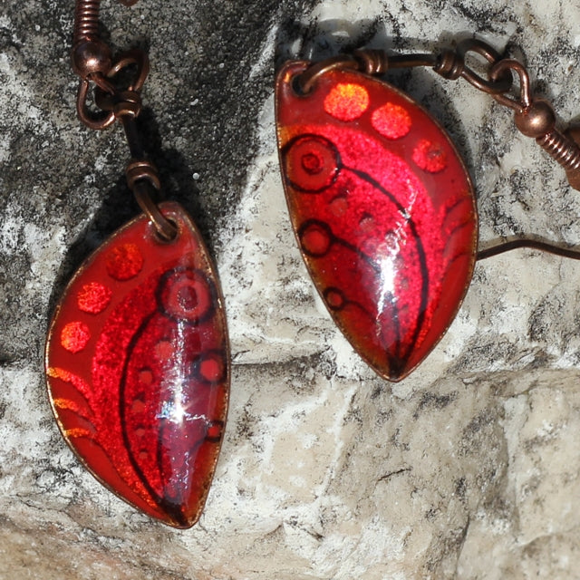 red color enamel on copper earrings Intuita Shop