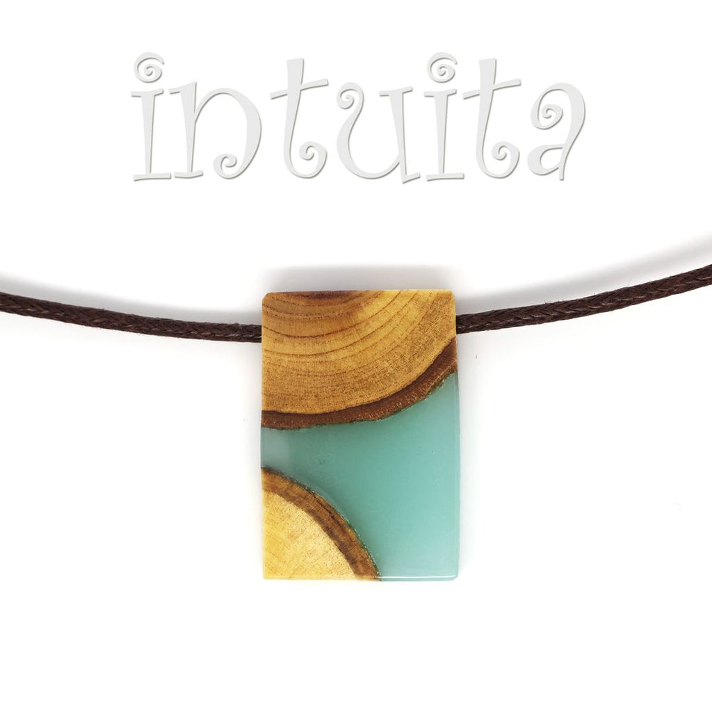resin and wood necklaces for men for Christmas in Intuita
