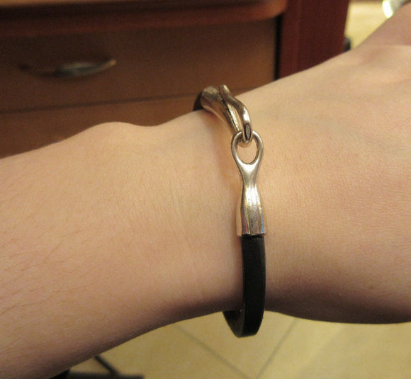 Black Color Band Leather Bracelet With a Hook Clasp For Men
