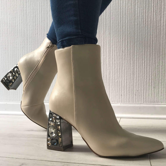 Menbur Jewelled Heeled White Boots