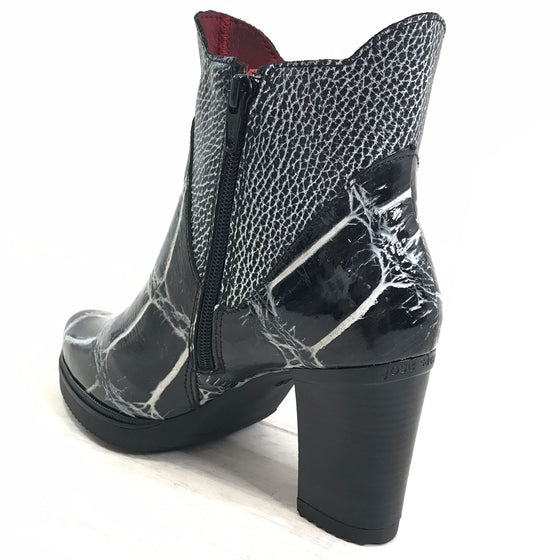 Jose Saenz Monochrome Leather Boots