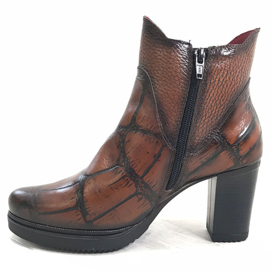 Jose Saenz Tan Leather Boots